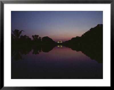 A View Of The Lincoln Memorial At Sunset by Karen Kasmauski Pricing Limited Edition Print image