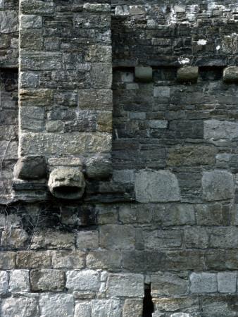 Lucinda lambton garderobe beaumaris castle anglesey for Garderobe exterior